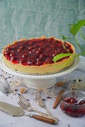 Tart with cherries and mascarpone cream