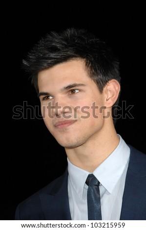 "Taylor Lautner at the ""The Twilight Saga: New Moon"" Los Angeles Premiere, Mann Village Theatre, Westwood, Ca. 11-16-09"