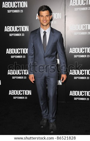 """Taylor Lautner at the world premiere of his new movie """"Abduction"""" at Grauman's Chinese Theatre, Hollywood. September 15, 2011  Los Angeles, CA Picture: Paul Smith / Featureflash"""