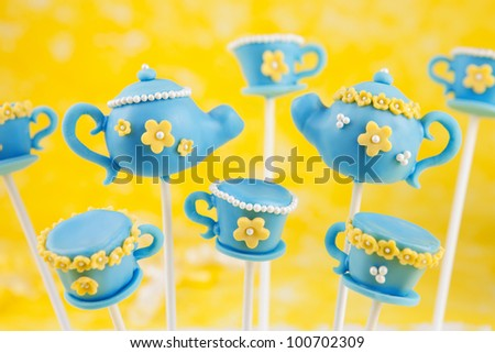 Teapot and teacup cake pops