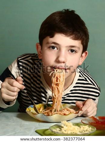Cartoon Eat Noodles Dog Screen