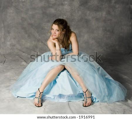 teenage girl wearing prom dress
