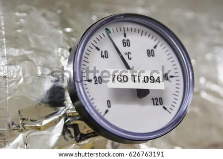 Temperature indicator circular circular. #626763191