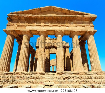 Temple of Concordia in famous ancient Greece Valley of Temples, Agrigento, Sicily, Italy. UNESCO World Heritage Site.