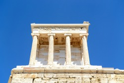 Temple of Niki Apteros (wingless victory) - is located in the south-west of the Propylaea on a small ledge of the rock. It was built in 427-424 BC. e. from Pentelian marble in Greek Athens.