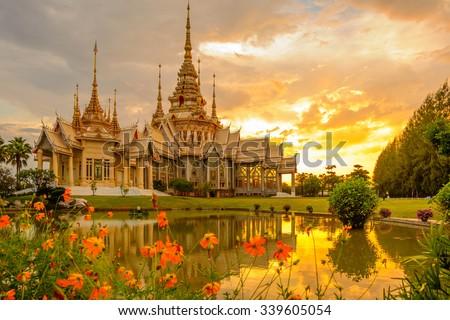 Temples in Thailand Wat Non Kum light Twilight