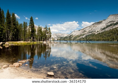 tenaya lake in yosemite national park, california, usa