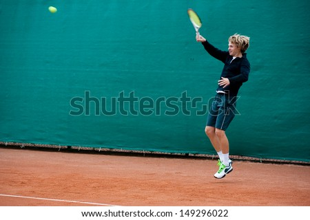 Tennis player before hitting the ball