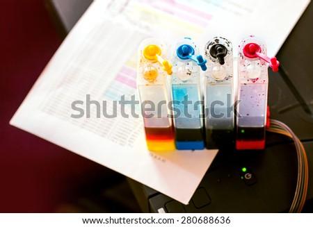 Testing a CMYK ink printer cartridge