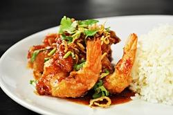 Thai food - deep fried prawns in Tamarind sauce with steam rice