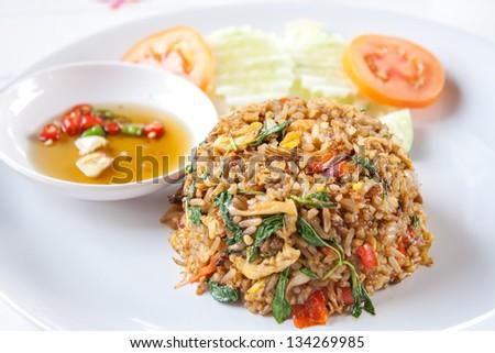 Spicy Thai Fried Rice With Shrimp Thai Spicy Food Basil Shrimp