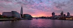 Thames at sunset - panorama