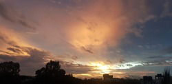 the art of the nature, fills the sky with viberent colour