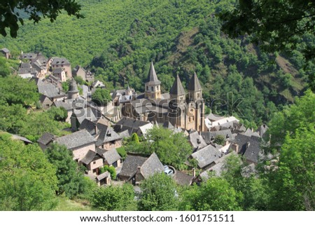 The authentic village of Conques in Aveyron, France Photo stock ©