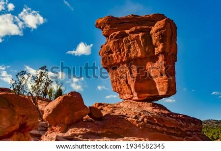 The Balanced Rock, Leaning Rock. The Garden of the Gods, Colorado, USA Foto d'archivio ©