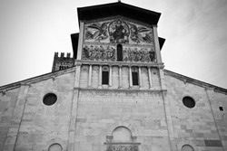 The Basilica of San Frediano, Lucca, Italy.