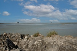 the bay of the Mont Saint Michel and the mount at least in all its splendour