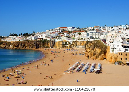 the beach in portugal / holiday feeling