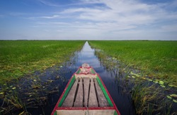 the beautiful scene of Travel boat in symmetry balance photography