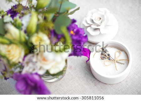 the box for rings with lavender flowers