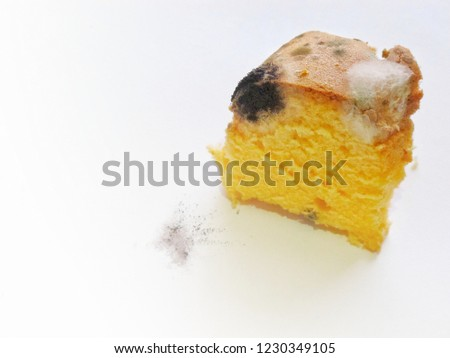 The bread has expired. Cake has expired.