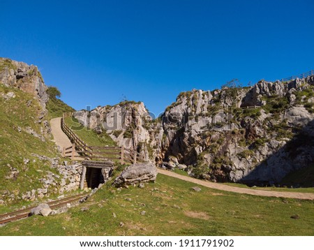 """The Buferrera mines at Covadonga, Cangas de Onis, Asturias, Spain.""""Las Minas de Buferrera"""" is a former iron and manganese mine. The mine remained active for over a century (1870-1979). Foto stock ©"""