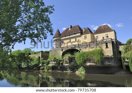 The castle de Losse in the Perigord, France.Built in the 16th century. The medieval fortress overlooks the Vezere river.
