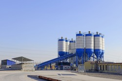 The cement concrete mixing equipment