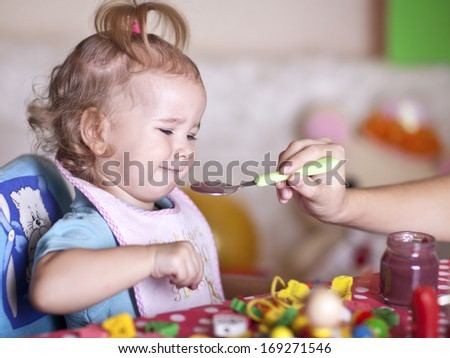 The child refuses to eat