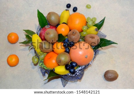 The client can order fruit bunch of every size - from 3 to 15 kg and more.