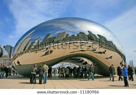 The Cloud Gate in Millennium Park in Chicago