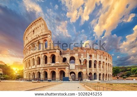 The Coliseum or Flavian Amphitheatre (Amphitheatrum Flavium or Colosseo), Rome, Italy.   Stockfoto ©