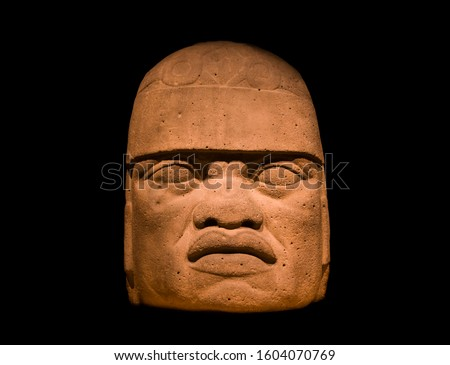 The colossal stone head of the Jaguar-Man, typical of the Olmecs civilization. Stockfoto ©