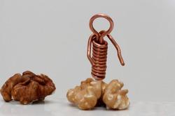 the copper wire man picks his brains