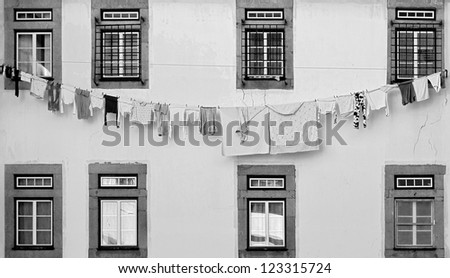 The drying clothes - Porto, Portugal (black and white)