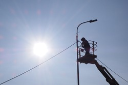 The electrification of the new lampposts.
