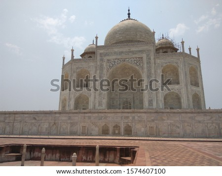 The exterior decorations of the Taj Mahal are among the finest in Mughal architecture. As the surface area changes, the decorations are refined proportionally.