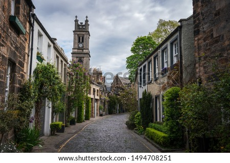 The famous Circus Lane in Edinburgh with its beautiful victorian facades is one of the main touristic sights in the city