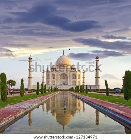 The famous Taj Mahal of india