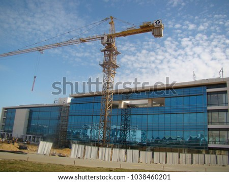 The final stages of building a building in the Smart Village in Cairo