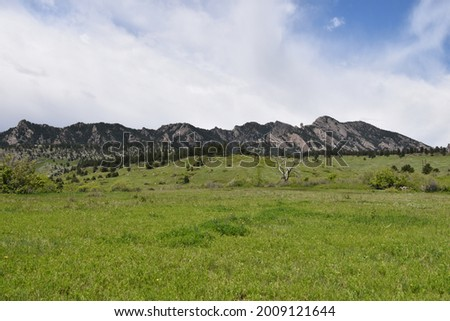 The first and second flat iron loop is a 4.3km hiking trail located in Boulder, Colorado.  Stock photo ©