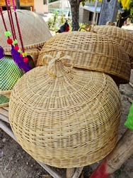 The fuchs are woven from rattan lines used to cover Asian food.