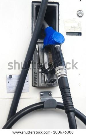The fuel supply, pump needle