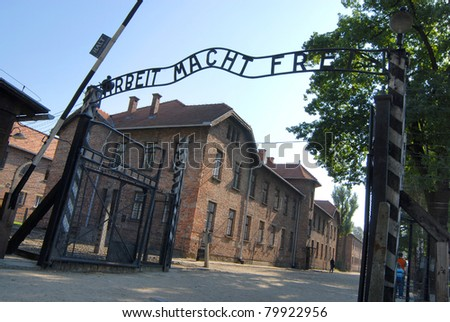 The gate at the entrance of Auschwitz 1
