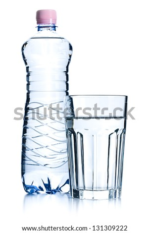 the glasses of water and plastic bottle