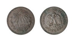 The glow type weights with .800 grams of silver were minted in Mexico City in the years 1918 and 1919. They are rare and sought after by collections.