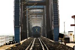 The Godavari bridge is 4.1 kilometers The bridge has a road deck over the single track rail deck, similar to the Grafton Bridge in New South Wales, Australia.