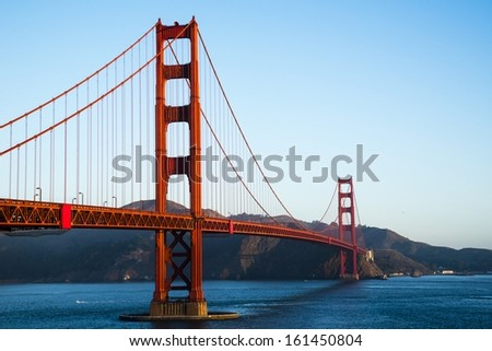 The Golden Gate Bridge in the morning.