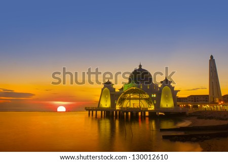 the great of sunset at selat mosque