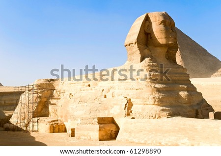 the Great Sphinx and Khufu pyramid of Giza, Egypt